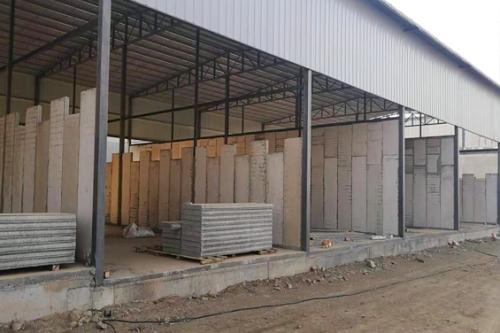 蘭州輕質隔墻板廠房安裝施工中